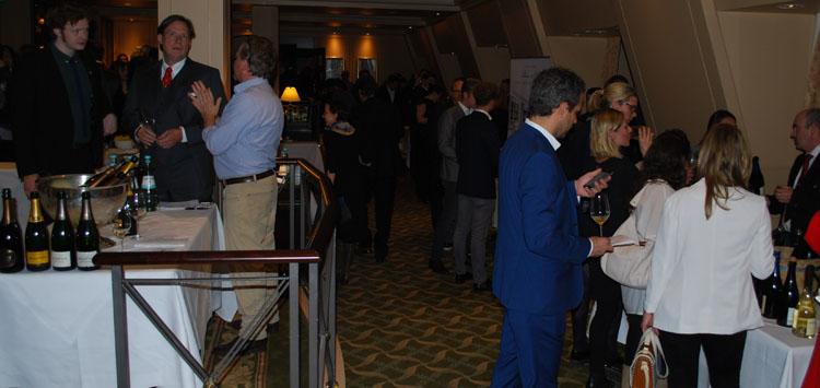 Gäste im Berlin Capital Club auf der Falstaff Champagner Gala