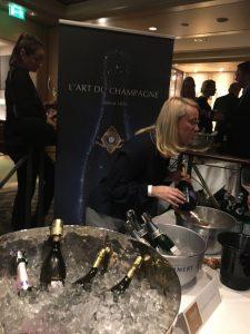 Champagnerflaschen in Eiskübel
