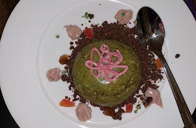 Dessert: Kuppel aus Avocadomousse