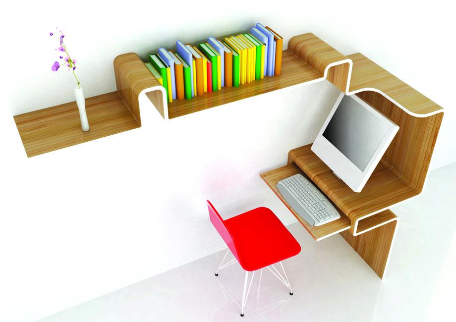Roter Stuhl steht vor Schreibtisch