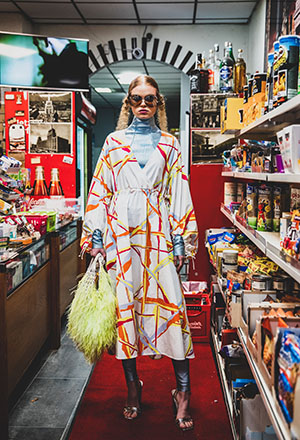 SS21 DAWID TOMASZEWSKI Kleid m. Muster©GERALD MATZKA