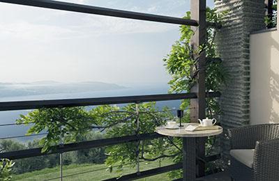 Blick vom Balkon auf den Gardasee