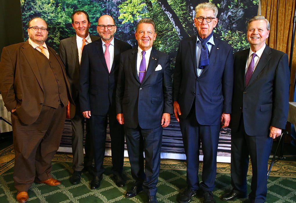 Im Berlin Capital Club  Nils Busch-Petersen, Manfred Gugerel, Wolfgang Branoner, Jörg Woltmann, Heinz Duerr, Dieter R. Klostermann  © Henry H. Herrmann